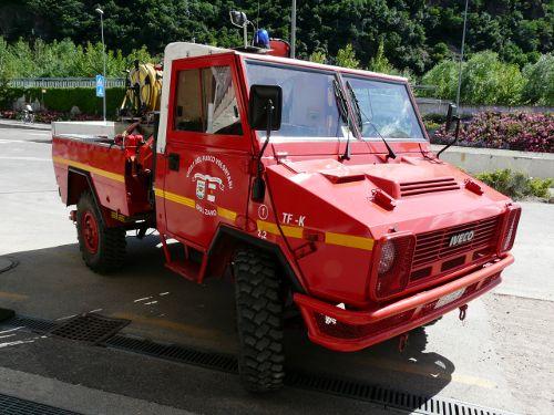 Transportfahrzeug mit Kran